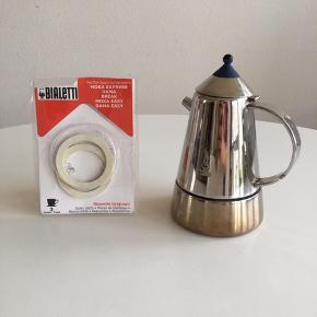 Original Italiensk Bialetti Espresso Kande ☕️ 🇮🇹 + 2 helt nye medfølgende gummiringe (np 19€) Til enhver kaffe entusiast😏