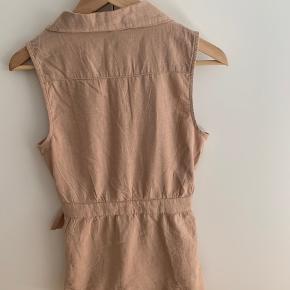 Ny kjole/skjorte  Købt i Pragh denne sommer men købt uden at prøve den 🙈 Str 36