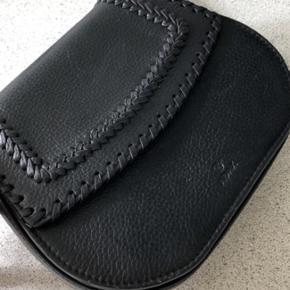 Nærmest helt ny adax taske sælges.  Prisen er ikke fastlagt. Kan hentes i Randers eller sendes.