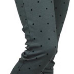 Blazer og bukser i modellen KATE Bukser str L og blazer XL Så dejligt blødt at have på Nypris 800 - sælges samlet for 375