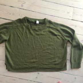 God sweater fra hm, i flot grøn farve.