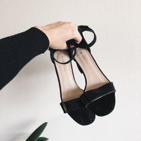 Heeled sandals fra Glamorous. Kun brugt en gang.