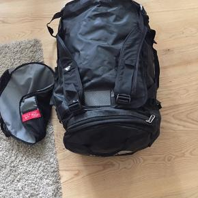 Absolut som ny. North face duffelbag. Håndtag, skrårem og som rygsæk. Inkl kompakt opbevaringstaske. Størrelse L, 95 liter, nypris 1200,-
