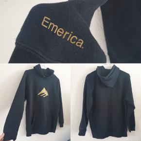 Original Emerica skate hoodie Str. S