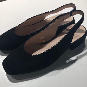 Disse er desværre et fejlkøb! Jeg har ikke haft dem på og de er derfor fuldstændig som om de lige er taget ud af æsken.
