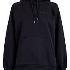 Neo Noir homewear