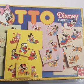 Disney Babies Lotto/billedlotteri. Komplet. Fra år 1987. I rigtig fin stand. Der er enkelte små pletter på nogle af pladerne. Kan sendes for 39 kr. med GLS til pakkeshop med trackingnummer. Befinder sig i Stige, Odense N.