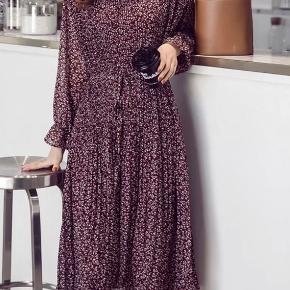 Chiffon plizze kjole