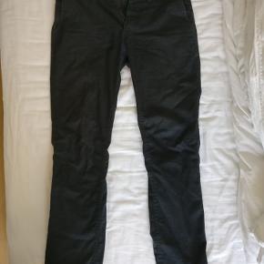 Mørkegrå Chinos fra NN07.  Størrelse 30/34