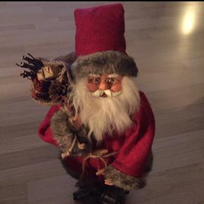 julepynt  Sød nisse i fin stand   Kan afhentes på Frederiksberg eller i Ballerup