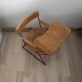 Gammel men fin pottestol . Alt virker på stolen, kan også bruges til blomster, som ser rigtig godt ud. Afhentes i Roskilde