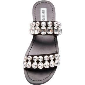 Smukke sandaler fra Steve Madden - kun brugt få gange - str. 40, men små i det og svarer derfor til en str. 39