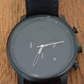 MVMT Magnum total black watch. By far the most must-have  basic and minimal fashion piece. ⚡⚡⚡