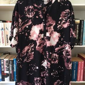 Skjortekjole. Bordeaux/Rosa/sort/råhvid