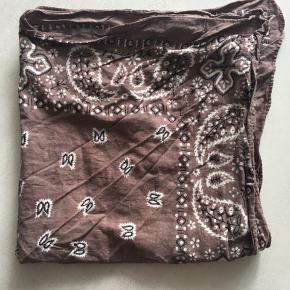 bandana tørklæde i brun, 50 x 50 cm