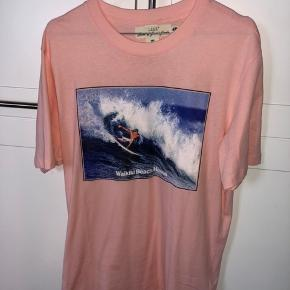 Tre lækre t-shirts fra H&M, helt som nye. Sælges både samlet og hver for sig