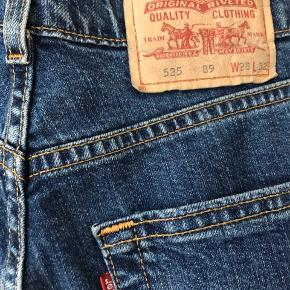Vintage levis jeans i str. 28/32.
