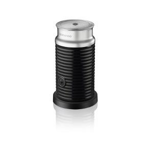 Mælkeskummer/-beholder til Nespresso-kaffemaskine. Mælkeskummerbeholderen er ikke en komplet mælkeskummer, men den passer til de forskellige maskiner fra Nespresso. Kan afhentes på Nørrebro. BYD ☕️
