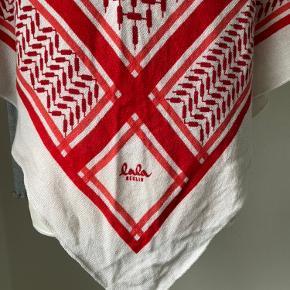 Smukt tørklæde / sjal str M brugt få gange og er som ny...