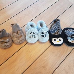 3 par baby sko i forskellige størrelse.