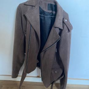 Mennace jakke