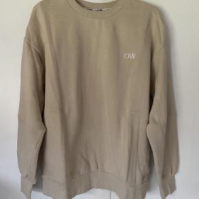 ICIW sweater