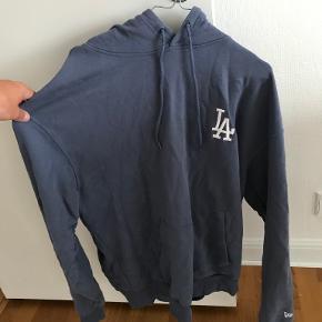 New Era hættetrøje
