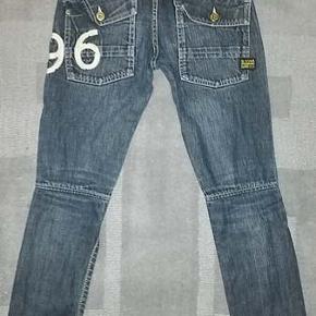 G-star 96 Raw jeans i str 25/30 Brugt men ellers i fin stand