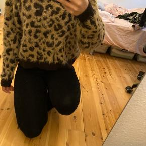 Lækreste og blødeste leopard teddy sweater