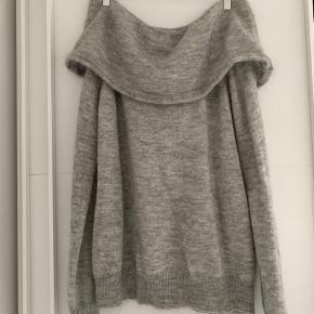 Lækker og rigtig flot sweater, som kun er blevet brugt 2 gange. Sælges da jeg aldrig får den brugt. Kom gerne med et bud.