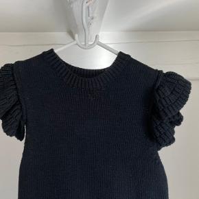 Helt ny og aldrig brugt strikkjole fra ZARA med flotte skulderdetaljer