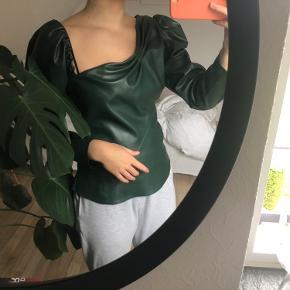 Smukkeste trøje fra zara. Aldrig brugt, kom med et bud!!💚💚