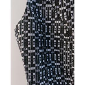 Skræddersyet kjole i str 36 (small) som kun er brugt en enkelt gang.
