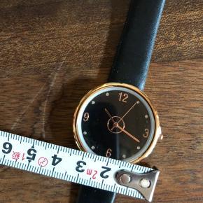 Fint ur som aldrig er blevet brugt.
