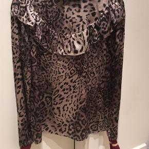 Bluse Farve: Leopard Oprindelig købspris: 500 kr.