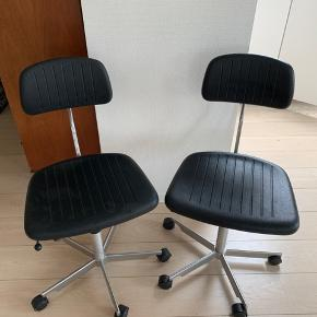 To kontorstole. Kevi, designet af Jørgen Rasmussen i 1958. Brugte med gode gasfjedre og rigtig god stand.  200 kr. pr. stk. Begge to for 350 kr.
