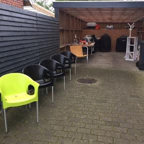 5 fine stole til havebordet.  Købt i Bo Bedre i Esbjerg Pr.stk 75.- samlet 250.-