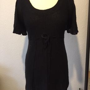 Ny strikke kjole str S