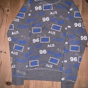 Alis sweater