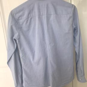 Tiger of sweden skjorte, Darcell, lidt smal model, brugt 2-3 gange, virkelig lækker i kvaliteten