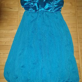 Blå kjole med glimmer striber str. onesize passer str small