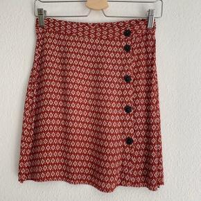 Fin nederdel fra H&M str small