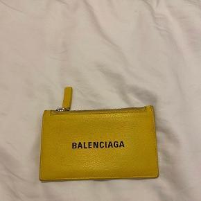 Balenciaga anden accessory