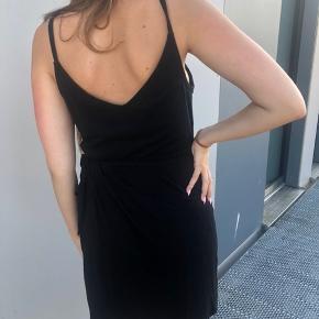 Slå-om kjole fra H&M, str. M