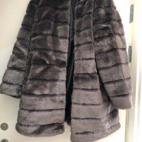 Diane von Furstenberg jakke