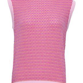 Noella Alie Strik Vest Pink Fuchsia Square  Str M/L  Brugt 1 gang!