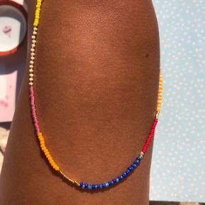 Perle choker halskæde Multi farvede perler Lås: forgyldt messing Ⓜ️ Mål: 45cm 💮 Prisen er fast og inkl Porto