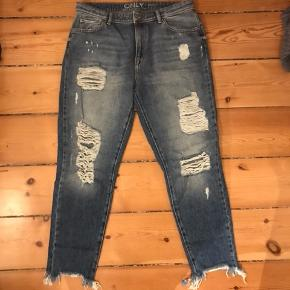 Fede ripped jeans, næsten ikke brugt. Er fra sidste år