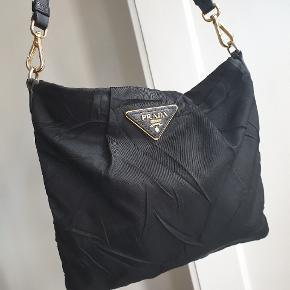 Prada nylon bag Adjustable strap With a dustbag