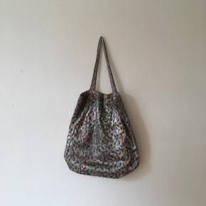 Henrik Vibskov net / mulepose med lille hul. Længde 42 cm. Bytter ikke